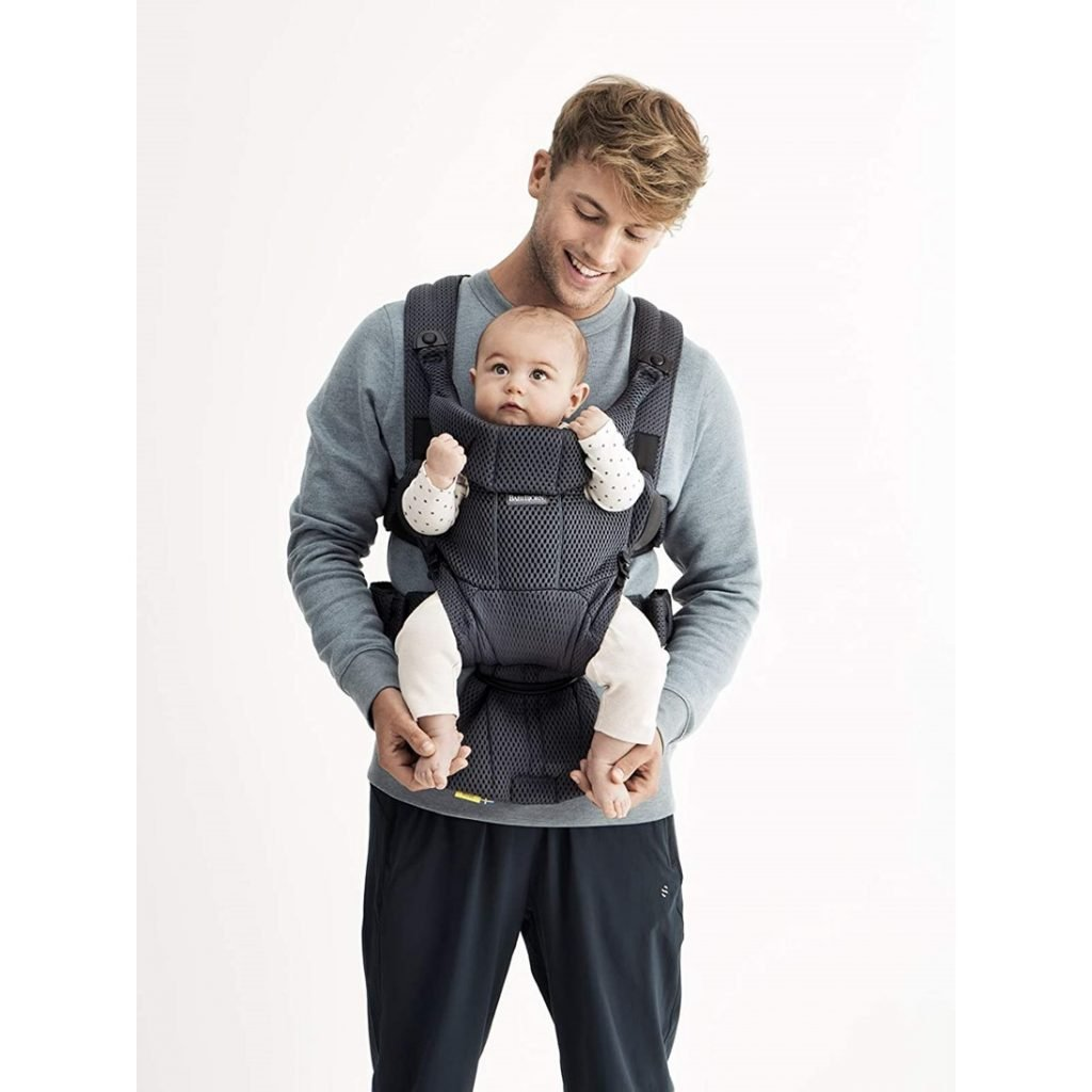 BABYBJORN Baby Carrier Free, 3D Mesh (Lifestyle Front view)